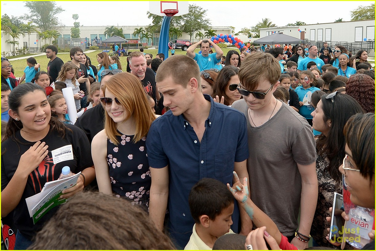 Emma Stone Andrew Garfield Continue To 39 Be Amazing 39 In Miami Photo 666565 Photo Gallery