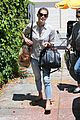 Greene-mom ashley greene grab lunch with her mom01