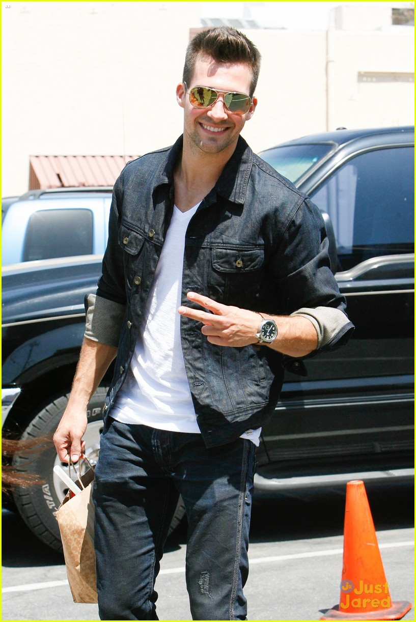 dancing with the stars dating rumors 2014 James maslow rose to fame as james diamond on nickelodeon's big time rush now, after an international tour with his band from the show (also named big time rush), he's taking his performing.