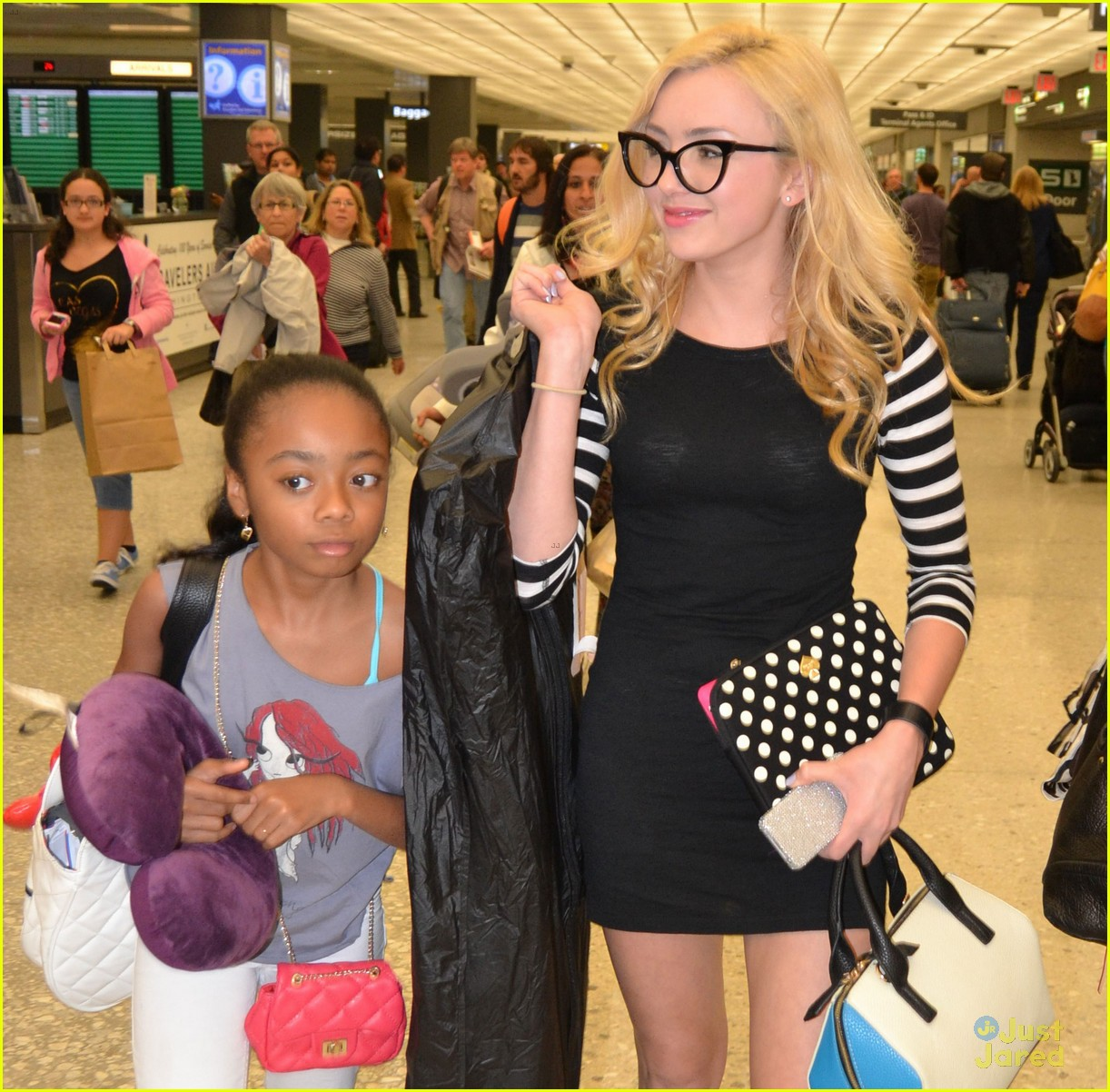 peyton list skai jackson touch down dc together 05