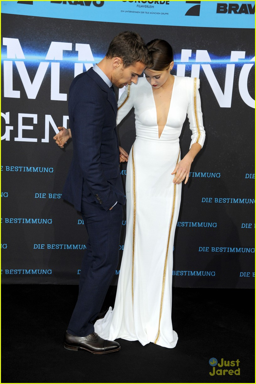 Theo James Girlfriend 2014 Shailene-woodley-theo-james- ...
