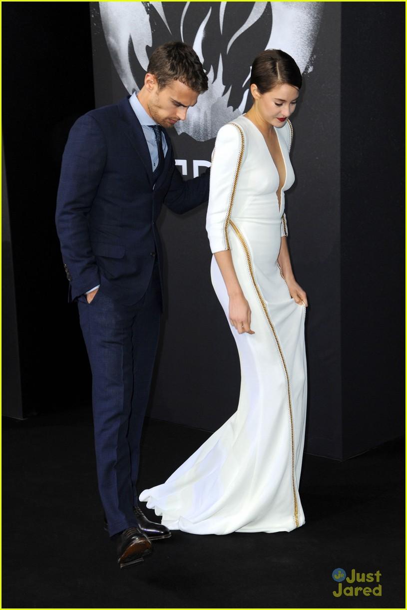 Shailene Woodley & Theo James: 'Divergent' Mexico Premiere ...  Shailene Woodley And Theo James Divergent Premiere