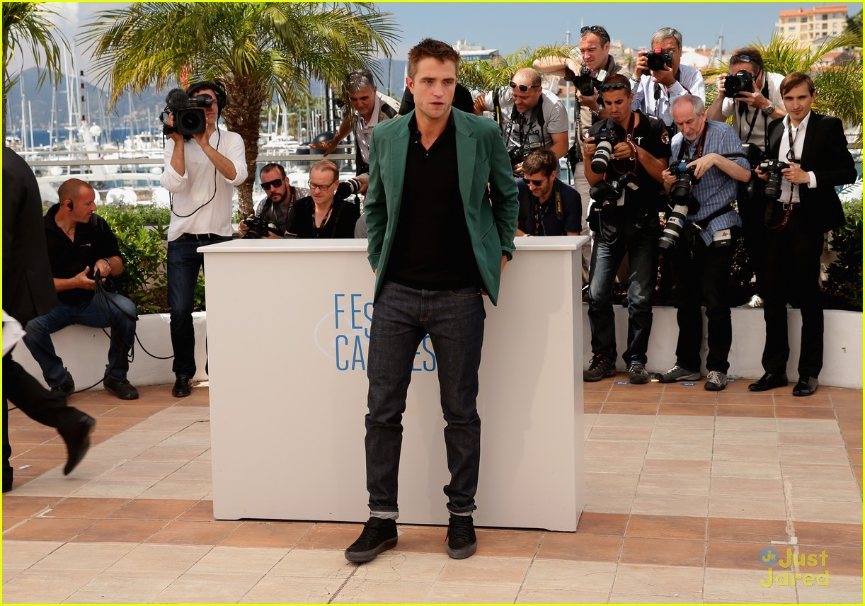 robert pattinson the rover photo call cannes 20