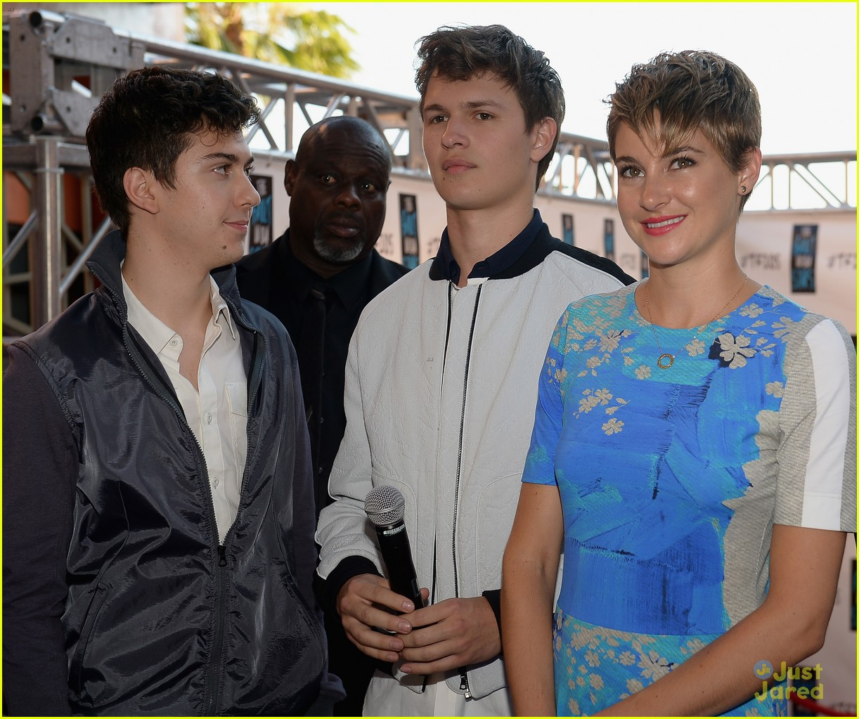 are shailene woodley and ansel elgort dating Ansel elgort and shailene woodley had a perfect and cry-worthy reunion at the 2018 golden globes.