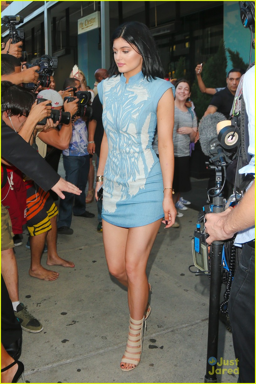 Kendall and Kylie Jenner Dress Up For Dinner in NYC | Photo 689872 - Photo Gallery | Just Jared Jr.