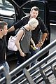 Miley-amster miley cyrus arrives amsterdam last bangerz tour stop 02