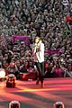 Styles-video one direction wembley performance 08