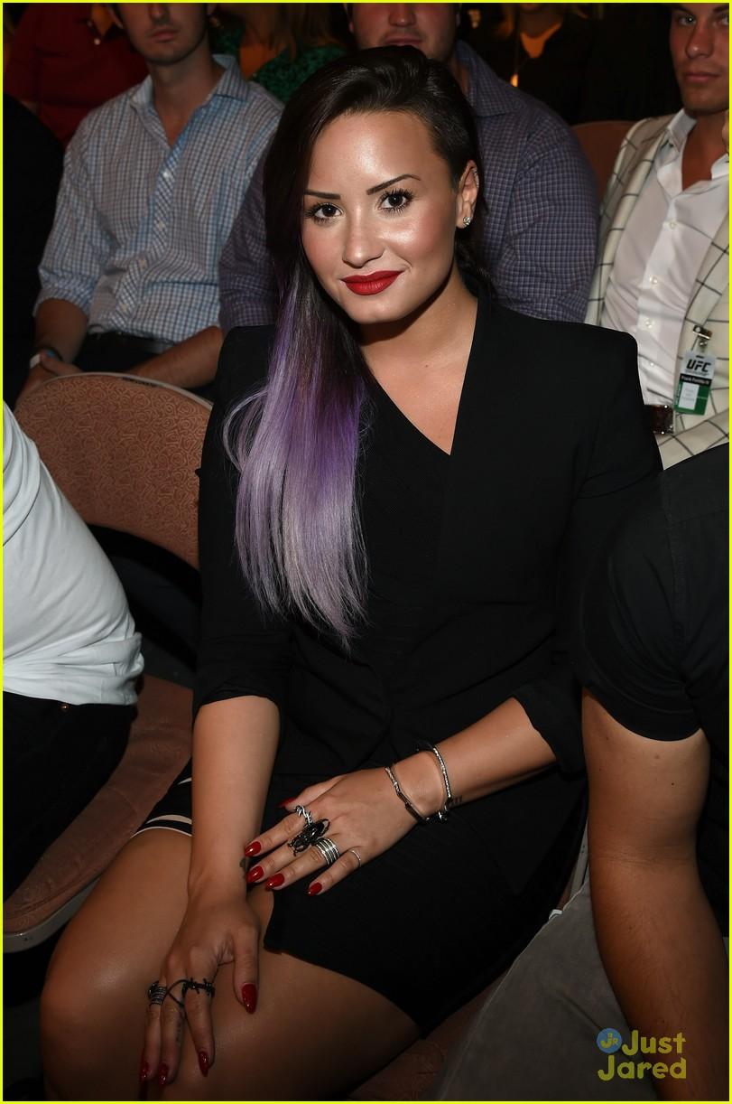 Demi Lovato Wilmer Valderrama Ufc Fight 01 Attends  Boyfriend Photo