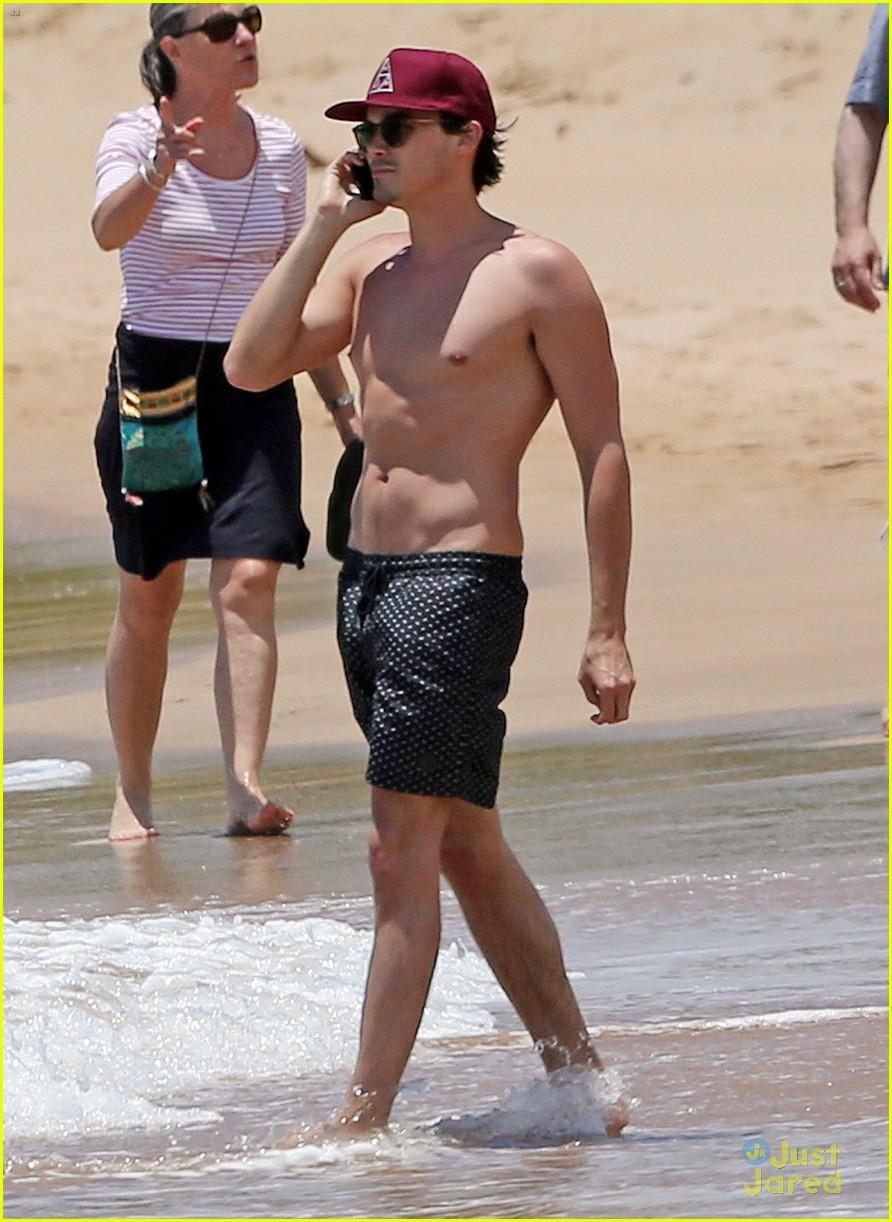 Tyler Blackburn Kisses Girlfriend During Romantic Beach Rendezvous In Maui Photo 691622