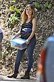 Jennette-shade jennette mccurdy dont like shade sun outside 01