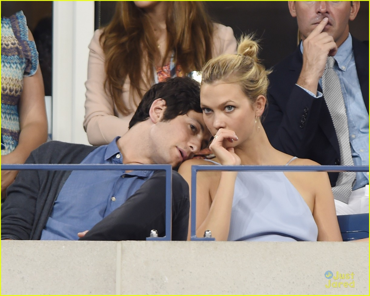 karlie kloss takes in some tennis at us open photo