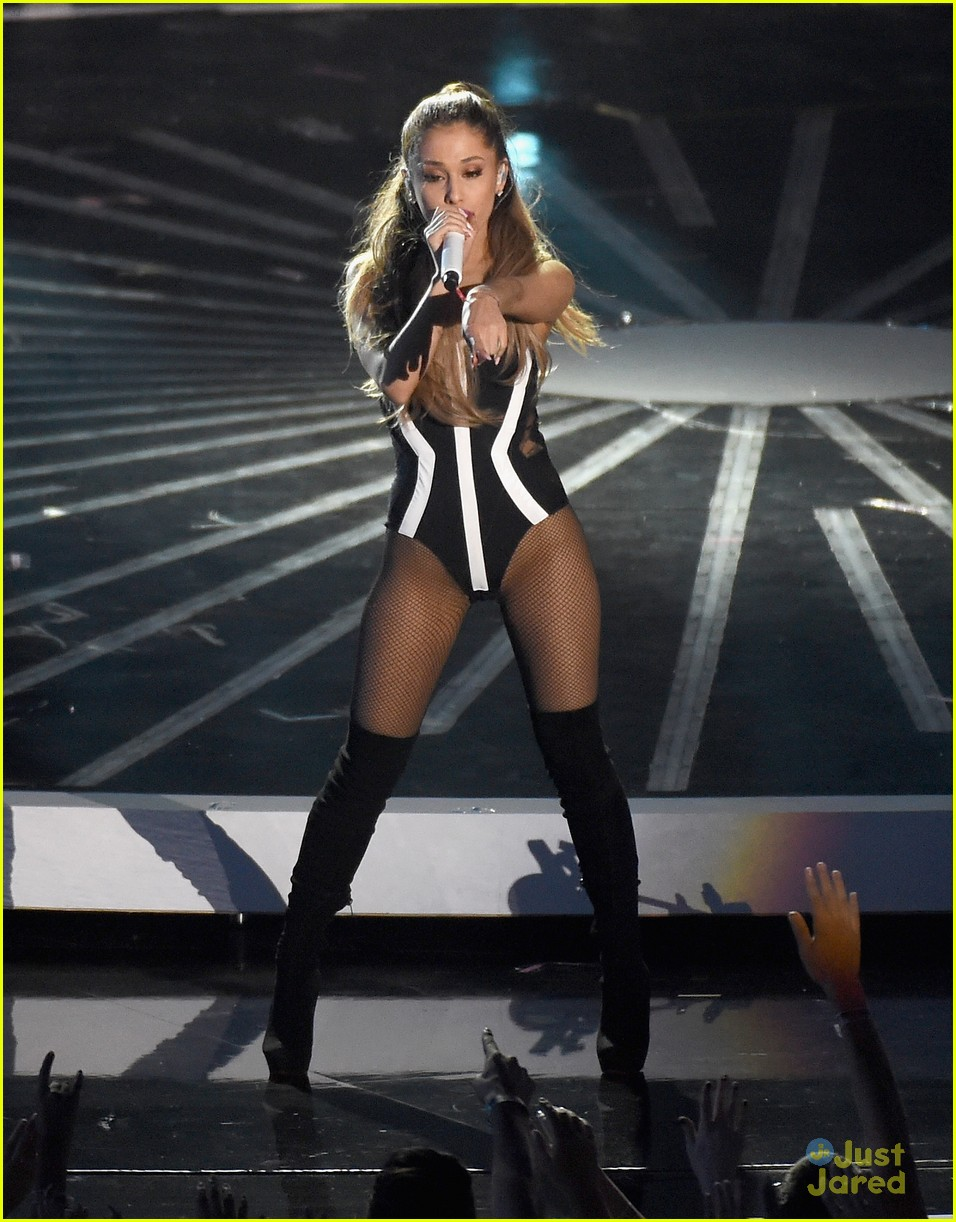Ariana Grande Opens the MTV VMAs 2014! (Video) | Photo 710647 - Photo Gallery | Just Jared Jr.