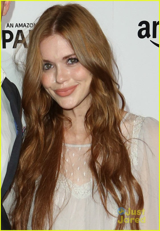 Holland Roden & Max Carver Couple Up for 'Transparent ... Zac Efron Nyc