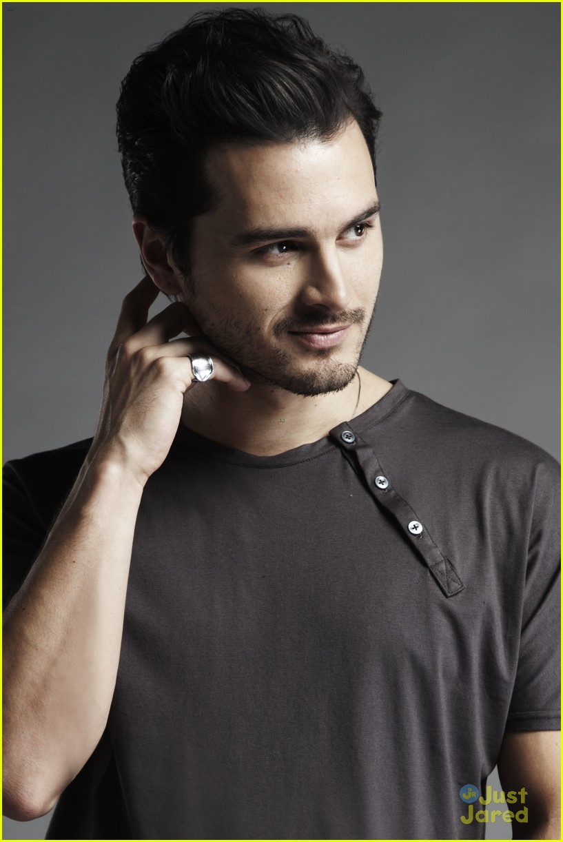 Michael Malarkey earned a  million dollar salary, leaving the net worth at 1 million in 2017