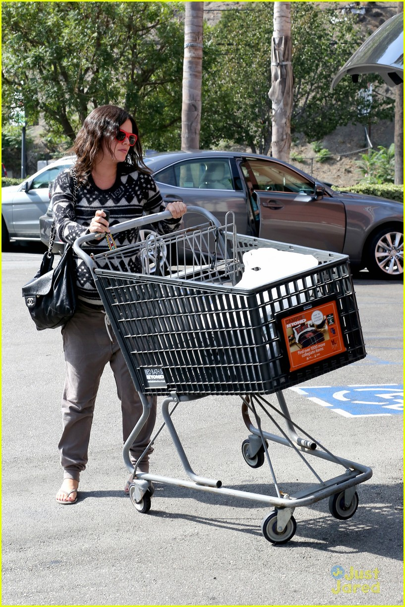 Baby bed and beyond - Pregnant Rachel Bilson Picks Up Goodies At Bed Bath Beyond Photo 728915 Photo Gallery Just Jared Jr