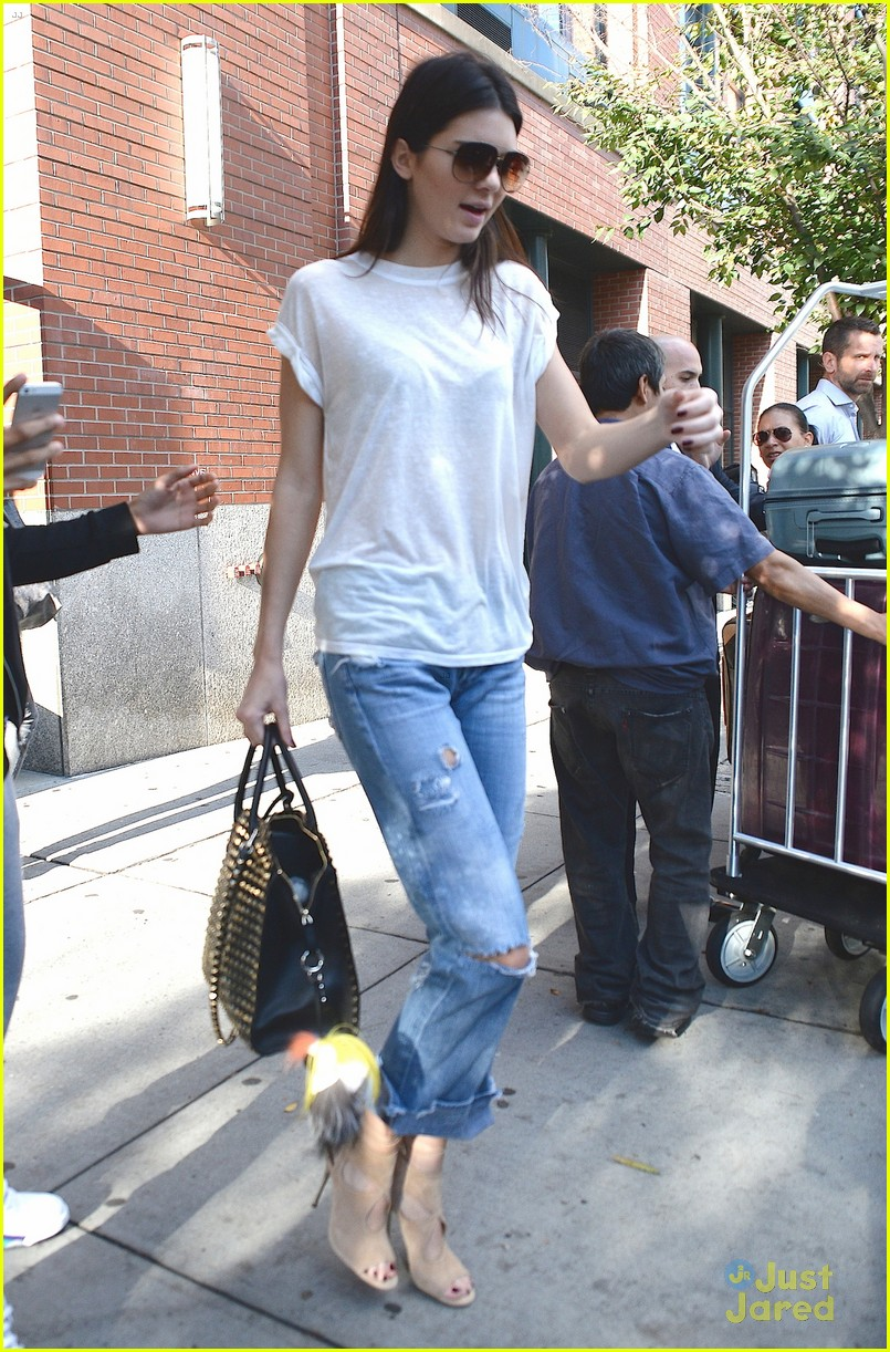 Kendall Jenner 39 S Model Presence Is Still Noticed Under Casual Clothes Photo 727744 Photo