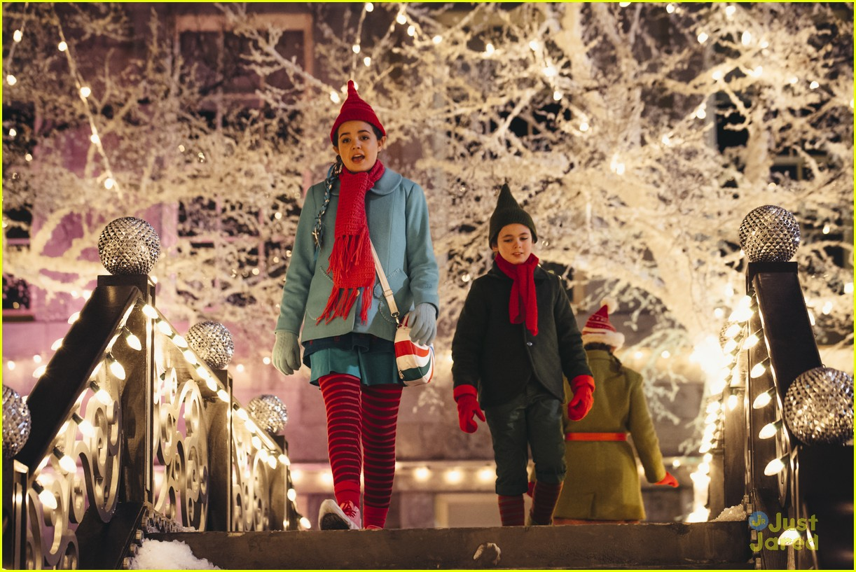 Bailee Madison Brings Christmas Magic To 'Northpole' On Hallmark ...