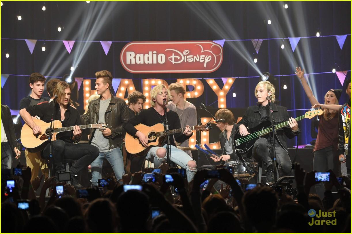 r5 radio disney birthday performance pics 12