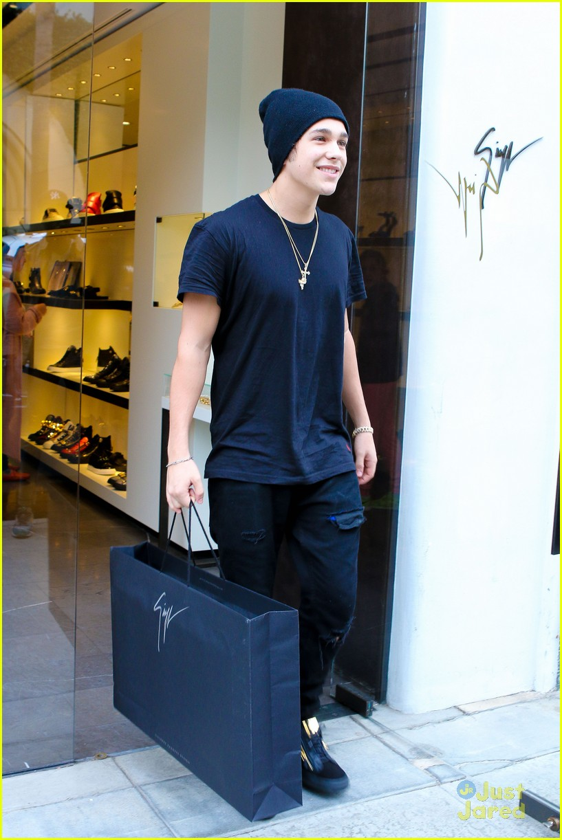 Austin Mahone Shoe Shopping