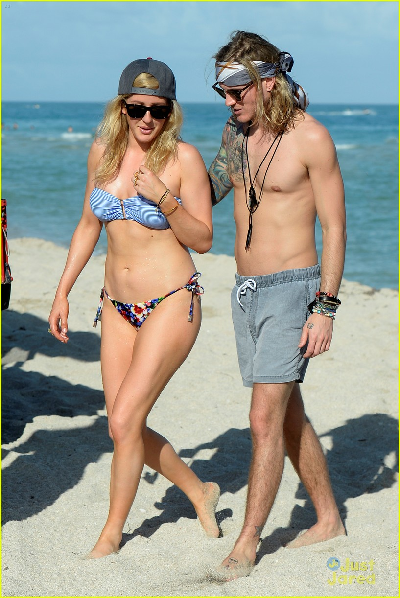 Ellie Goulding S Bikini Body Is So Ripped Photo 759927