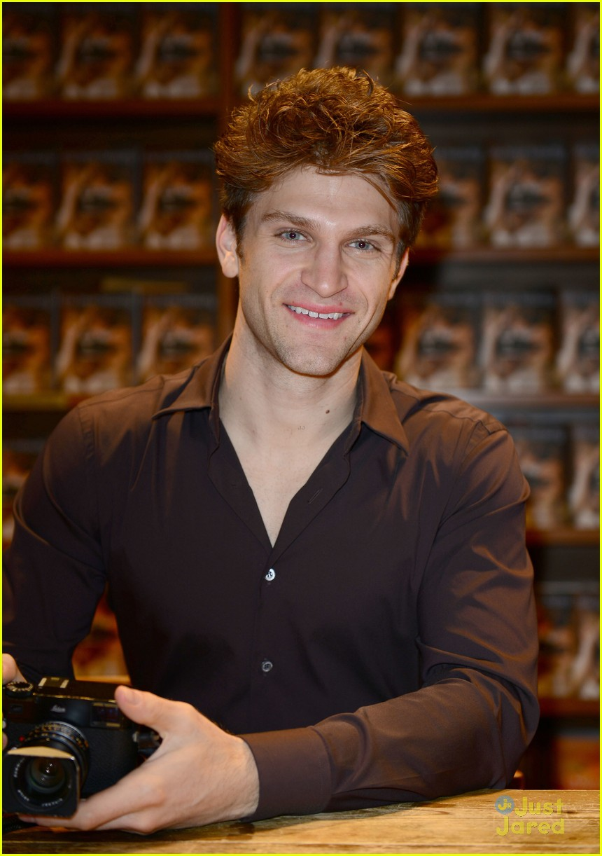 Keegan Allen Is Still Looking For His Valentine | Photo ...