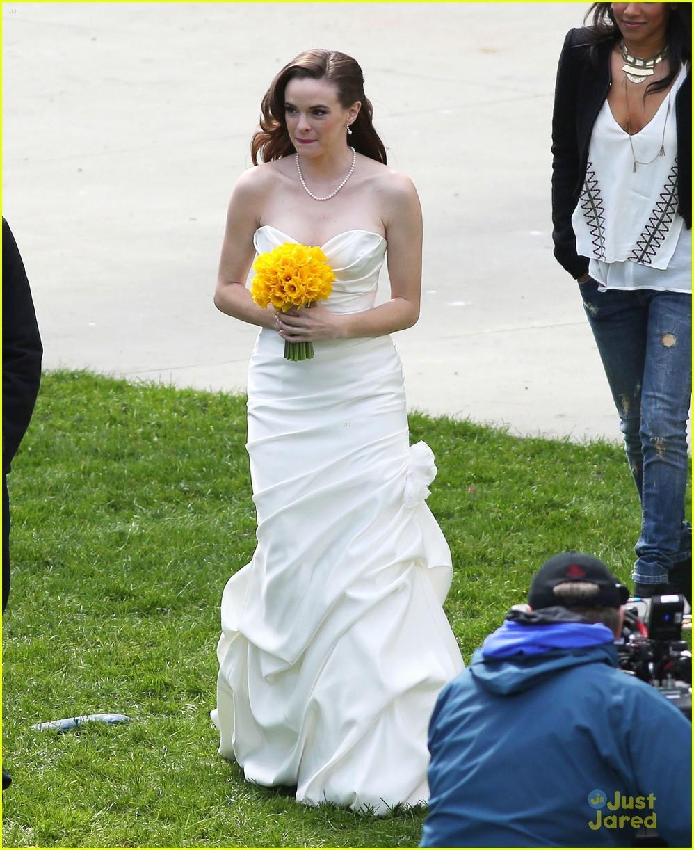 The Flash Caitlin Ronnie Wedding Rehearsal Filming Pics 17