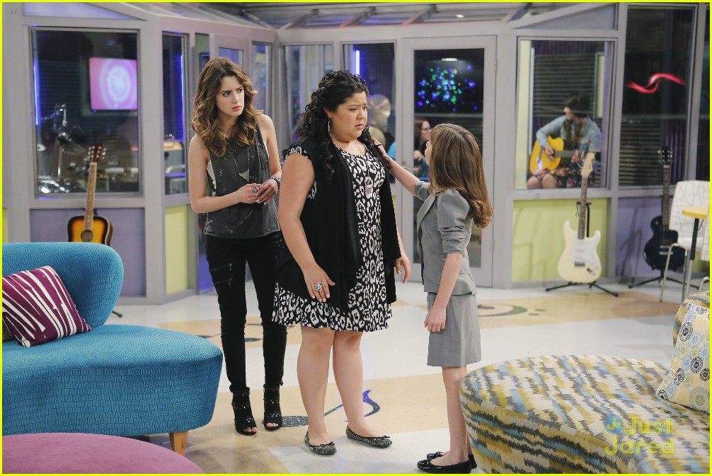 austin ally mini mes muffin baskets stills 05