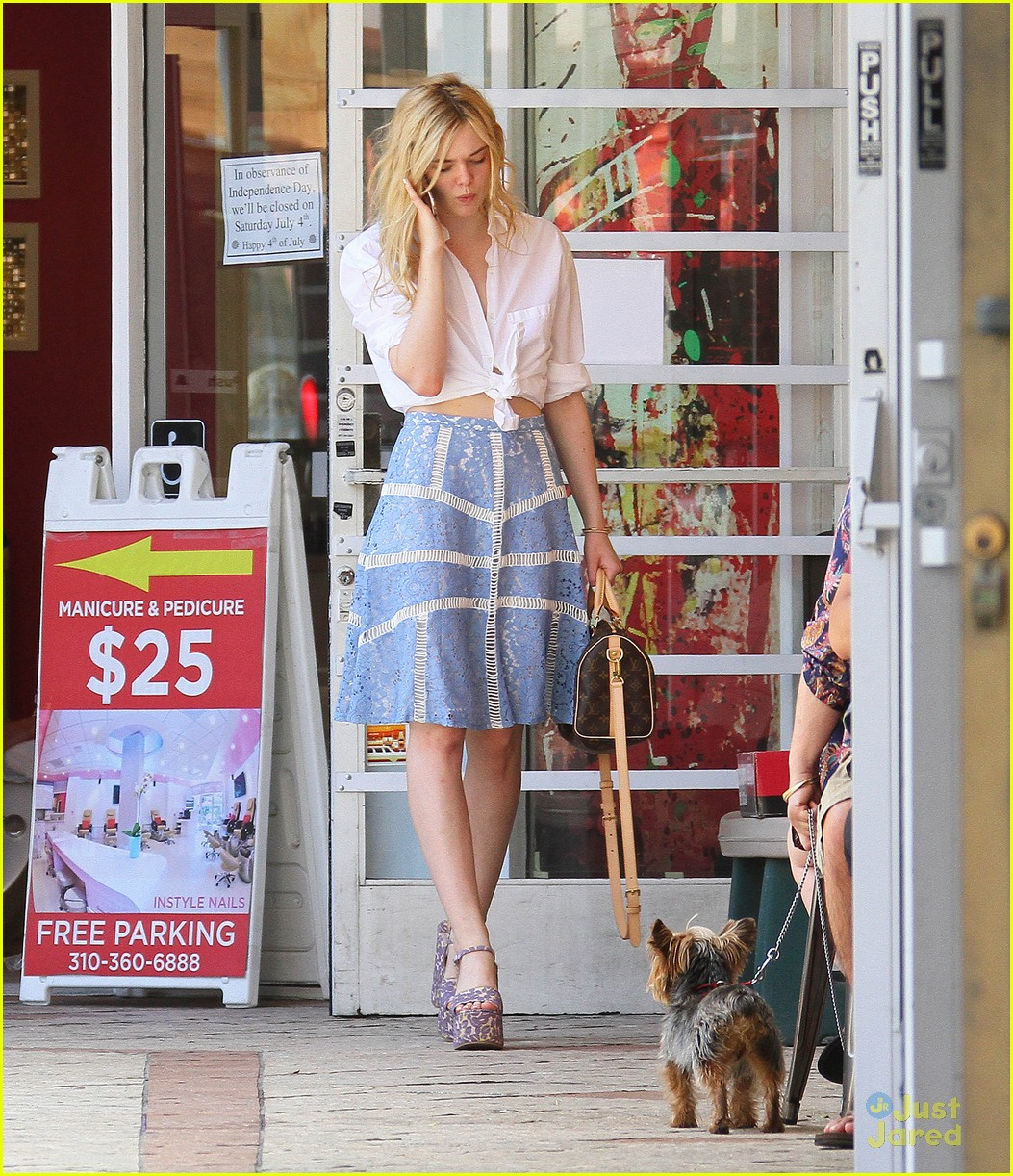 elle fanning shoe shopping joy workout other errands 03