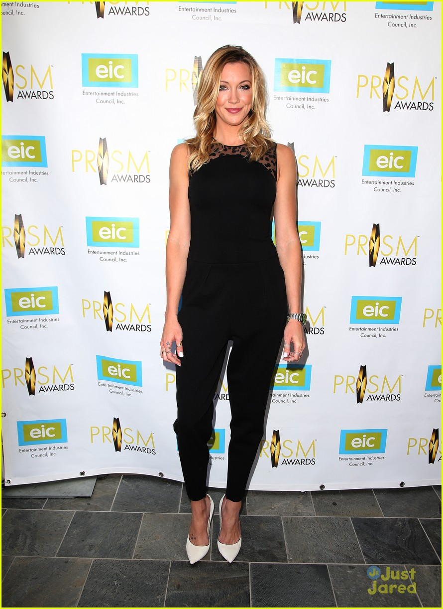 katie cassidy prism awards los angeles win 05