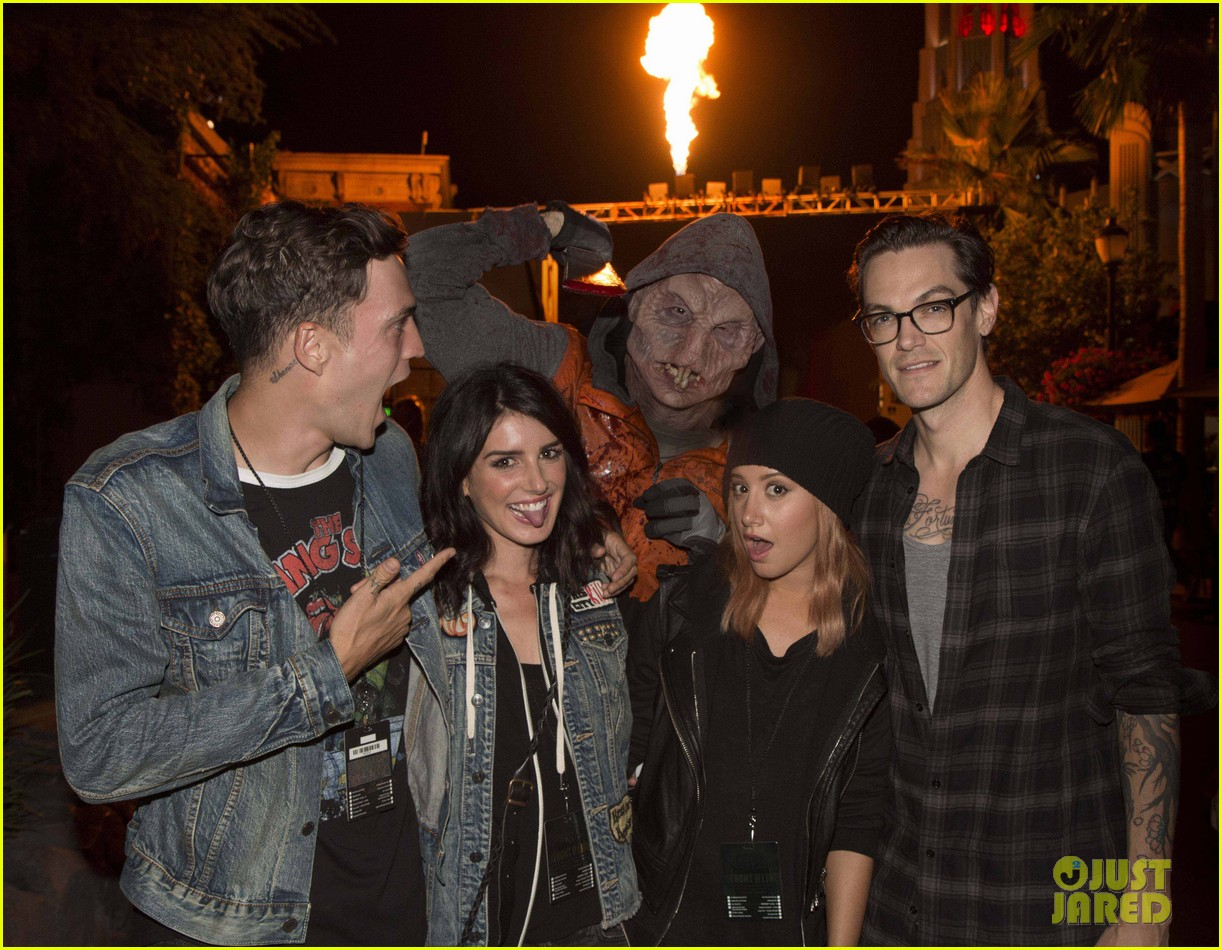 ashley tisdale 5 seconds of summer get quite the fright at halloween horror nights photo 869320 photo gallery just jared jr - Ashley Tisdale Halloween