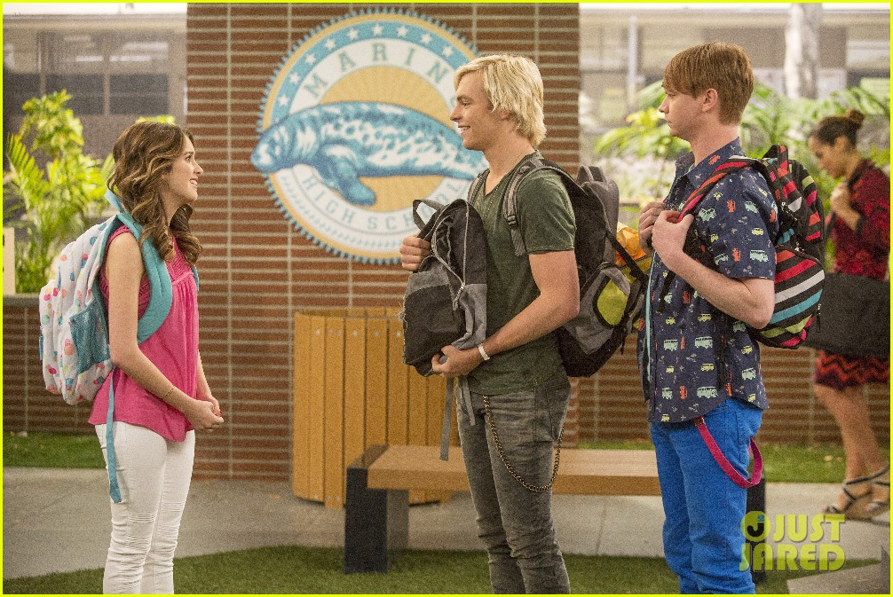 austin ally cap gowns episode stills 06