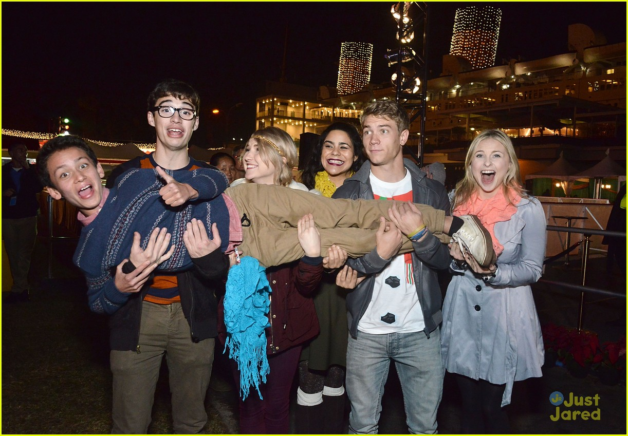 meet the cast of liv and maddie