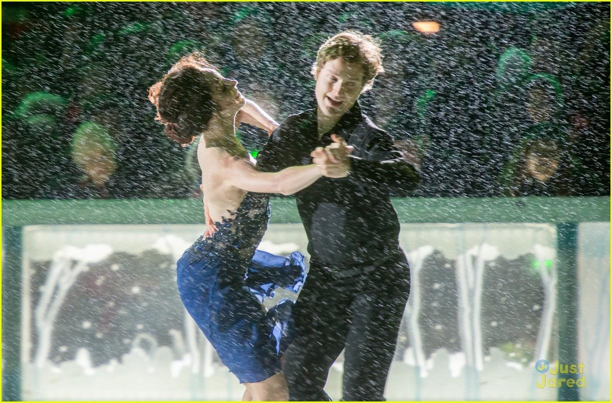 Мэрил Девис-Чарли Уайт - Страница 2 Meryl-davis-charlie-white-ice-dance-in-rain-01