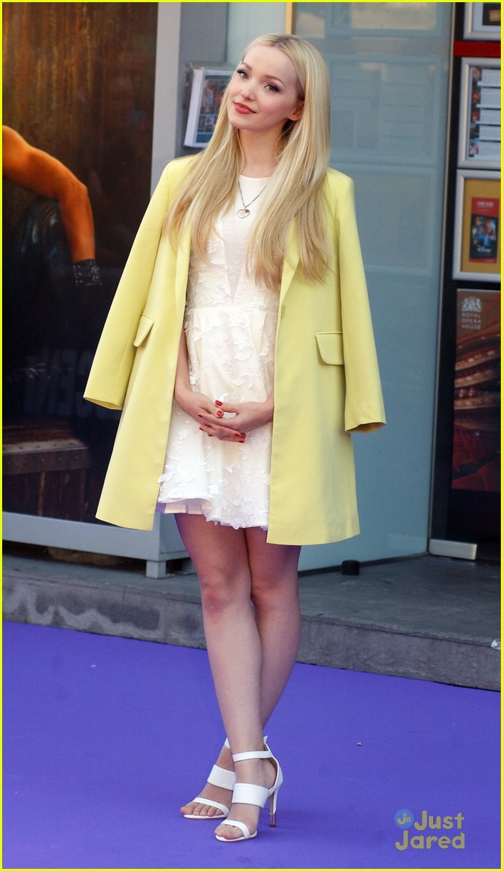 Dove Cameron Turns 20 Today - Let's Celebrate With 20 ...  Dove Cameron Tu...