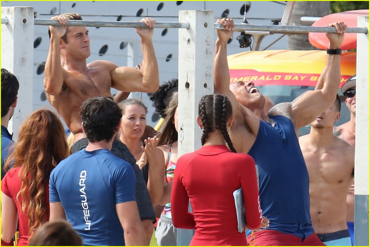 zac efron pull up contest baywatch 11