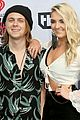 R5-iheart r5 hit iheartradio music awards 01
