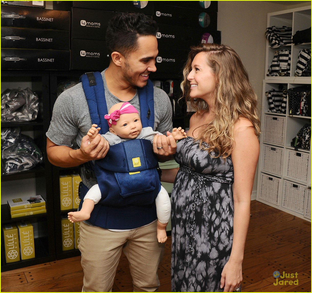 alexa penavega carlos baby items showroom visit 03