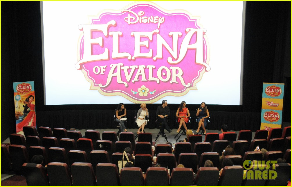 jenna ortega aimee carrero talk elena of avalor 10