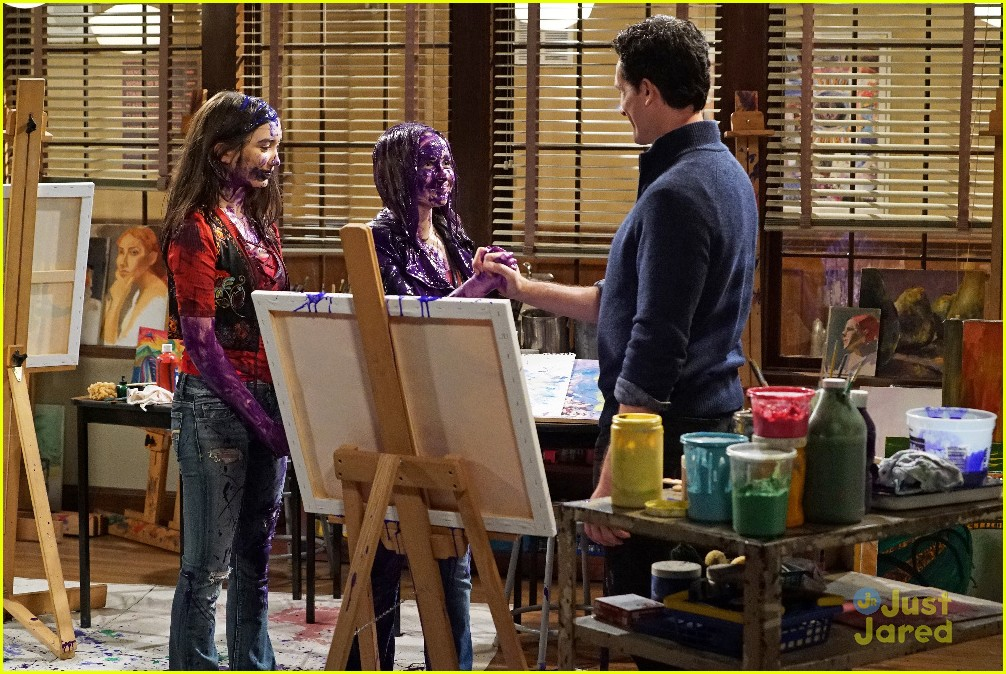 girl meets world riley and maya fight All 3 songs featured in girl meets world s2 e1 girl meets gravity 11 may 2015 riley and maya are anxious to when riley and maya get into a fight.
