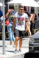 Joe-juliana joe jonas grabs lunch with model pal juliana herz 18