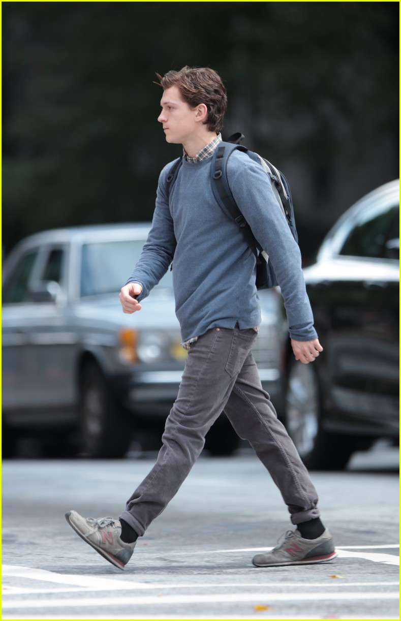 tom holland suits up on the set of spider man homecoming 03