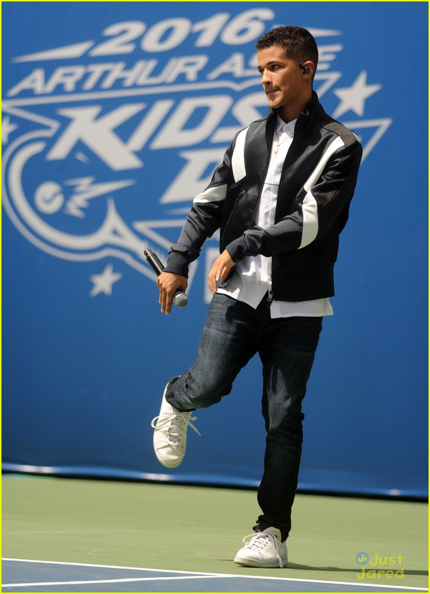 jordan fisher laura marano fiym performances aakd pics 08