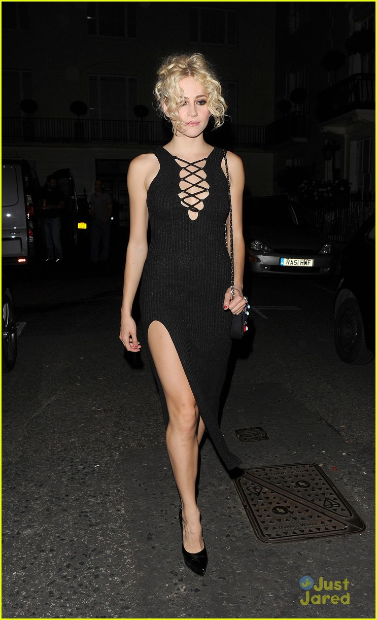 pixie lott super glam look london theatre 22