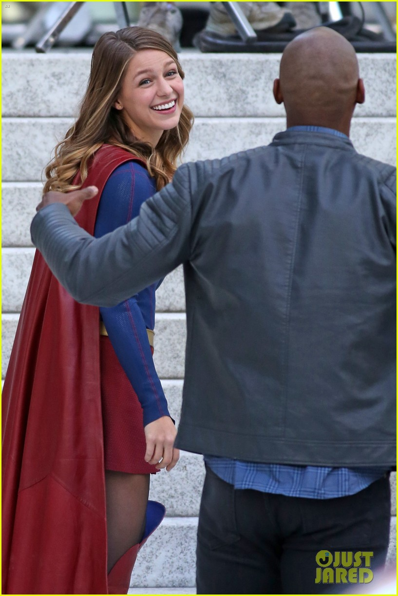 melissa benoist is all smiles while filming supergirl01015mytext