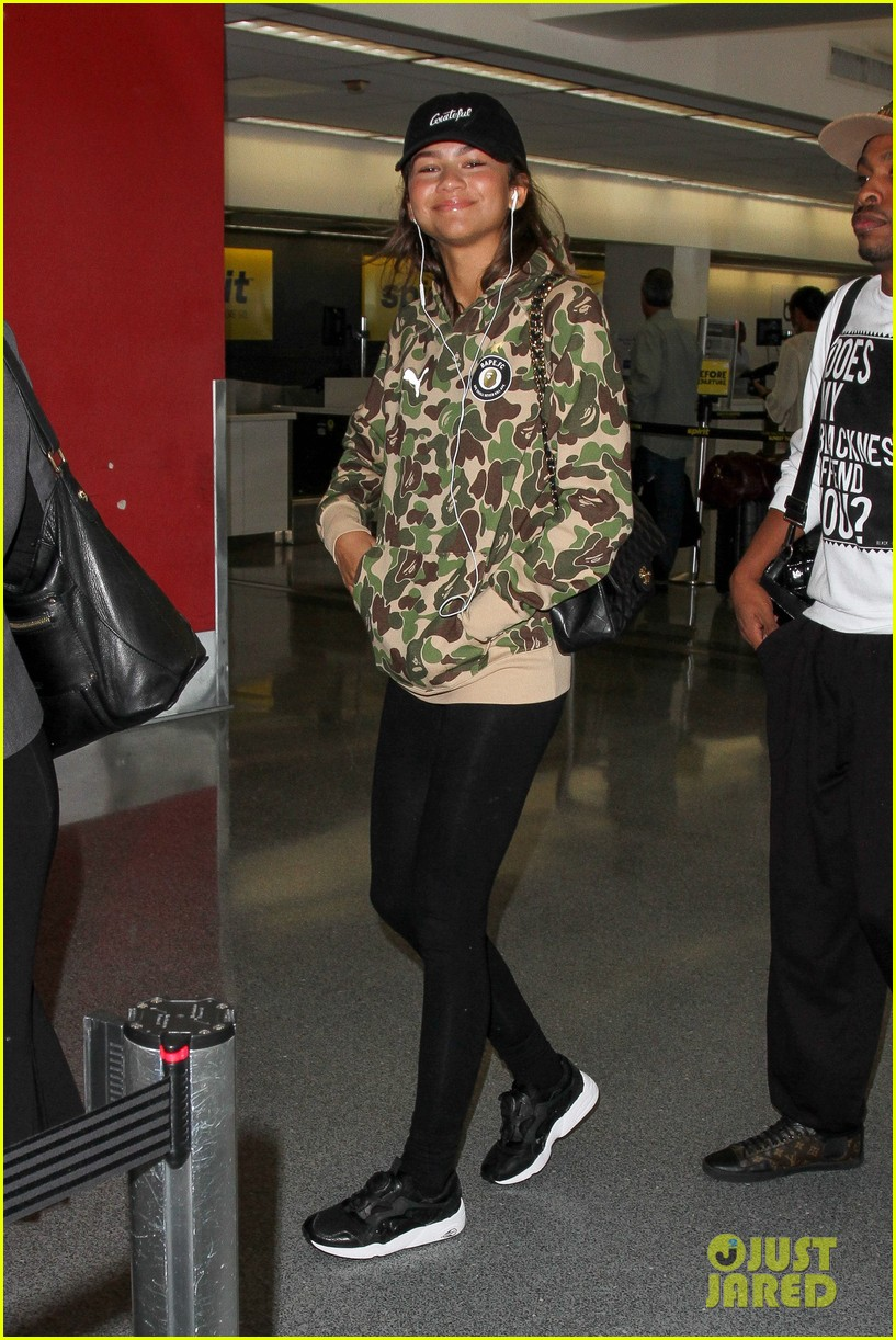 zendaya fly out project runway judge 07