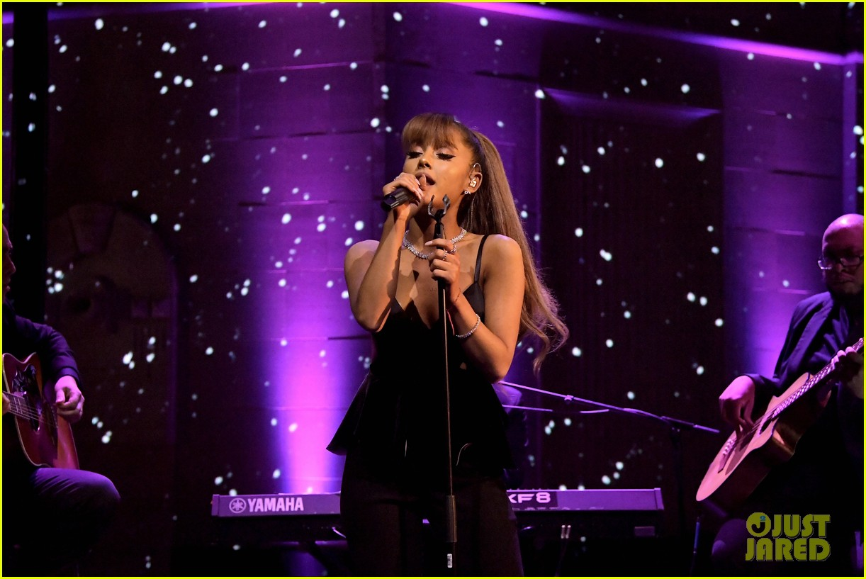 ariana grande performs at tiff partymytext11mytext