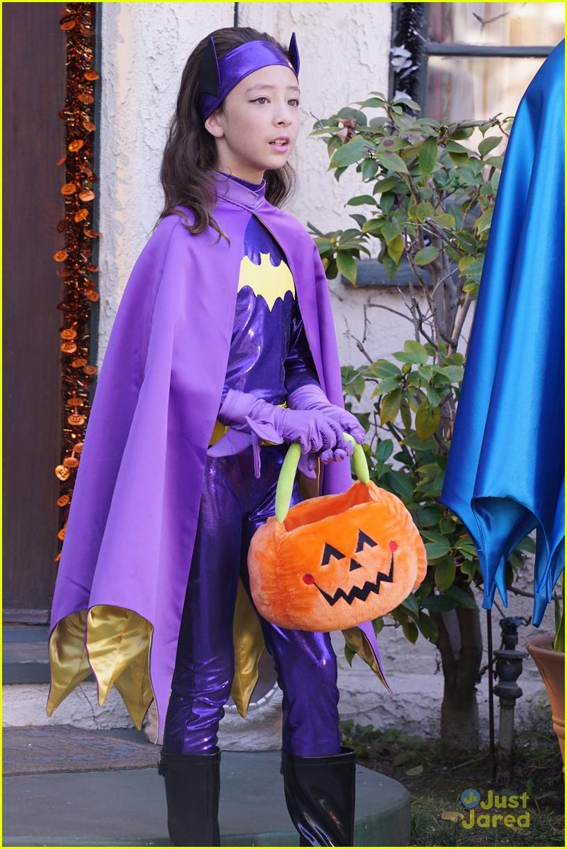 lily luke halloween costumes modern family tonight 36