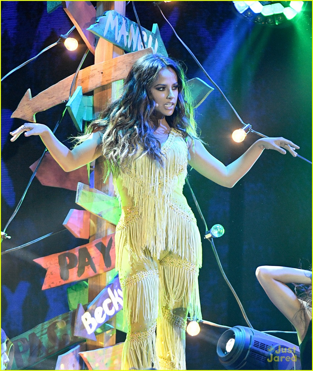 Becky G & Sofia Reyes Pull Off Amazing Performances at Latin AMAs 2016 | Photo 1035972 - Photo Gallery | Just Jared Jr.