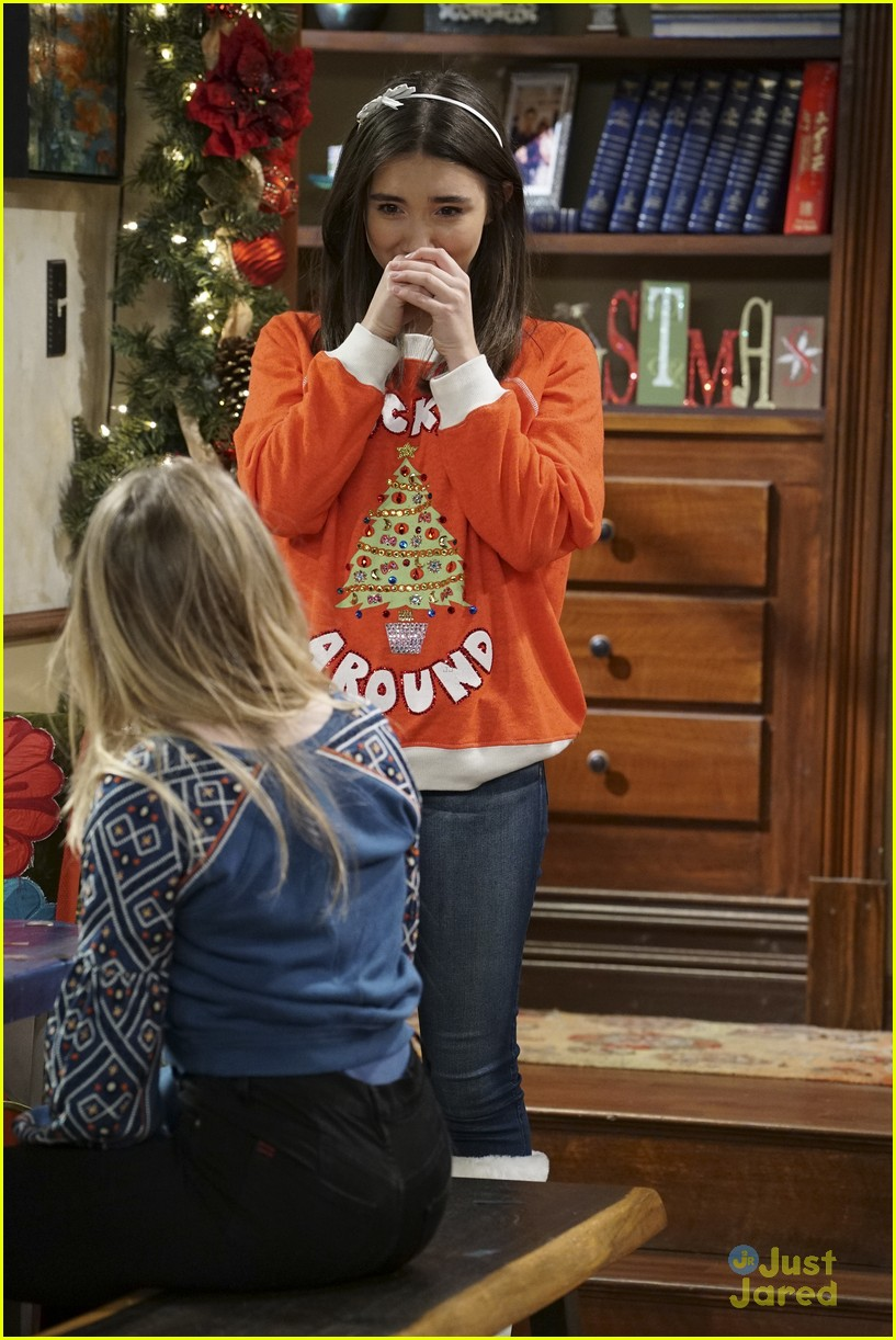 Riley Brings Christmas Cheer To Everyone on 'Girl Meets World ...