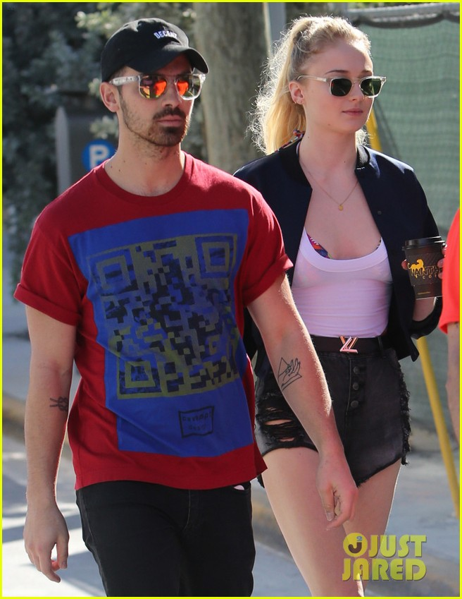 joe jonas and sophie turne rmeet up in miami2 05